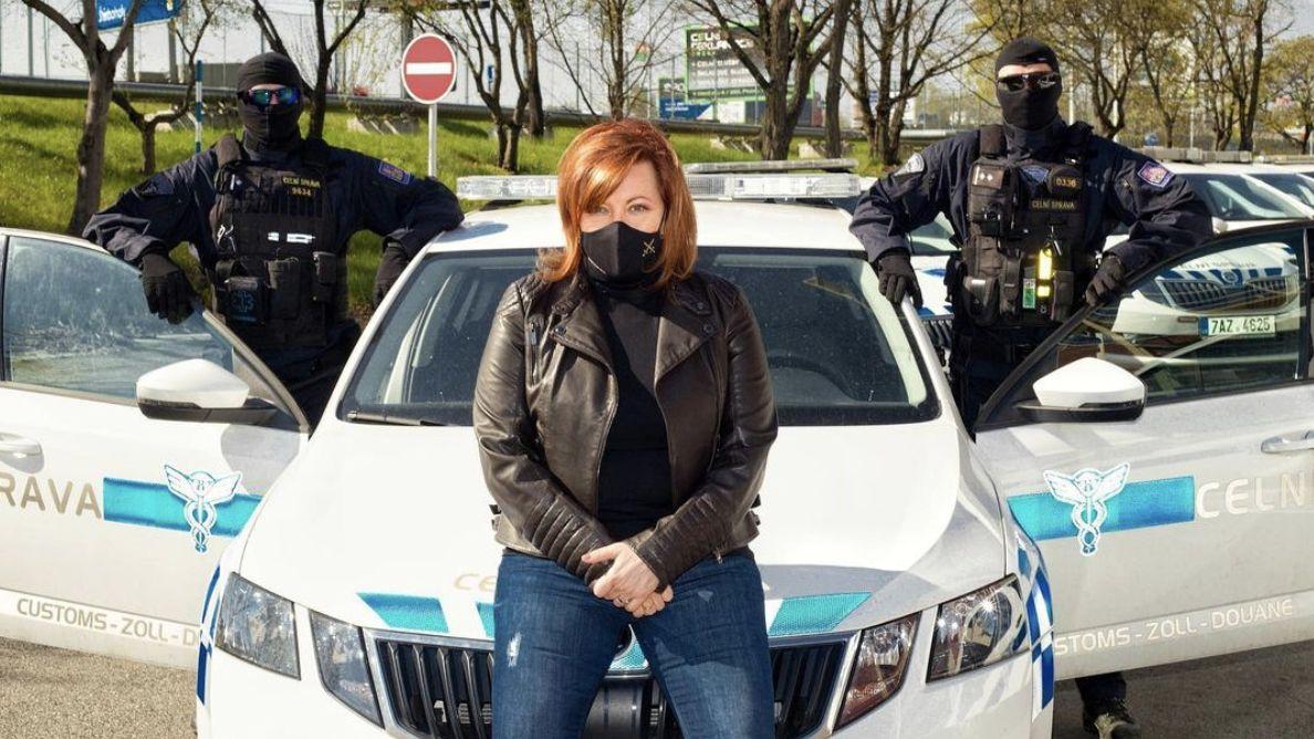 Glosa: Státní influencerka Schillerová, ministryně sociálních sítí