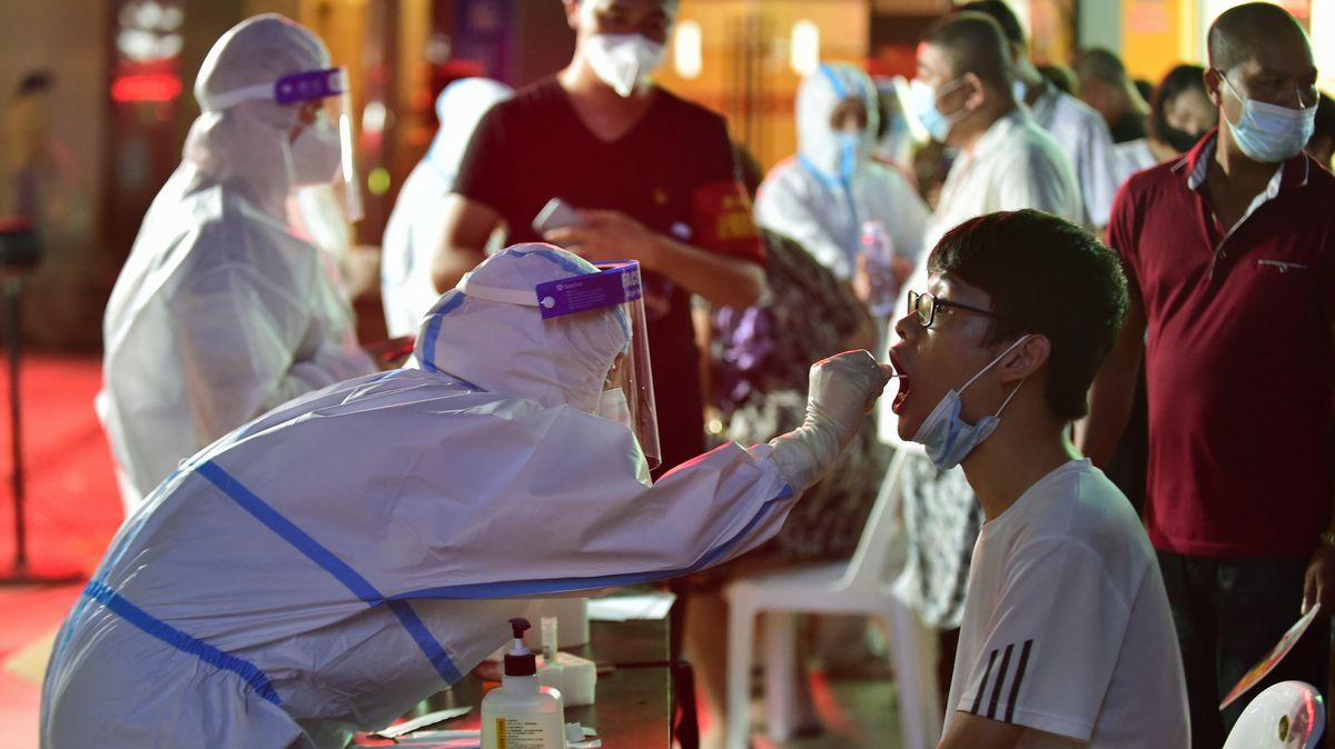 Čínské pandemické repete. Nejezdí doprava, zavírají školy