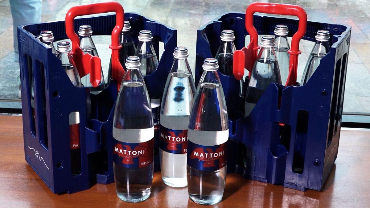 Návrat vratných lahví. Mattoni iKofola se vracejí kzálohované klasice