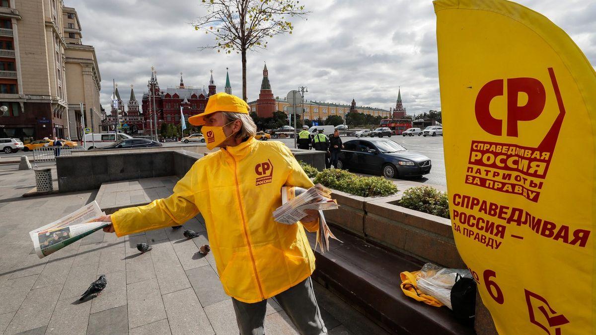 Navalnyj chce chytrým hlasováním naleptávat režim, říká expert