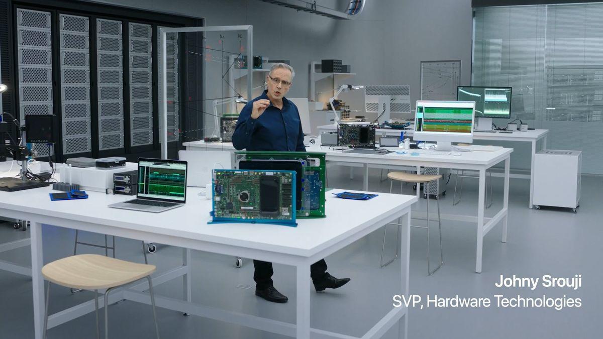 Apple ukázal nové notebooky. Mají superrychlé procesory a cenu jako auto