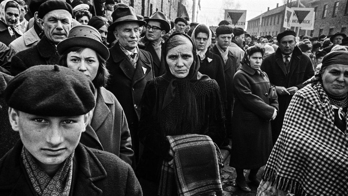 Fotograf zachytil bolest a vzpomínky těch, kteří přežili holokaust