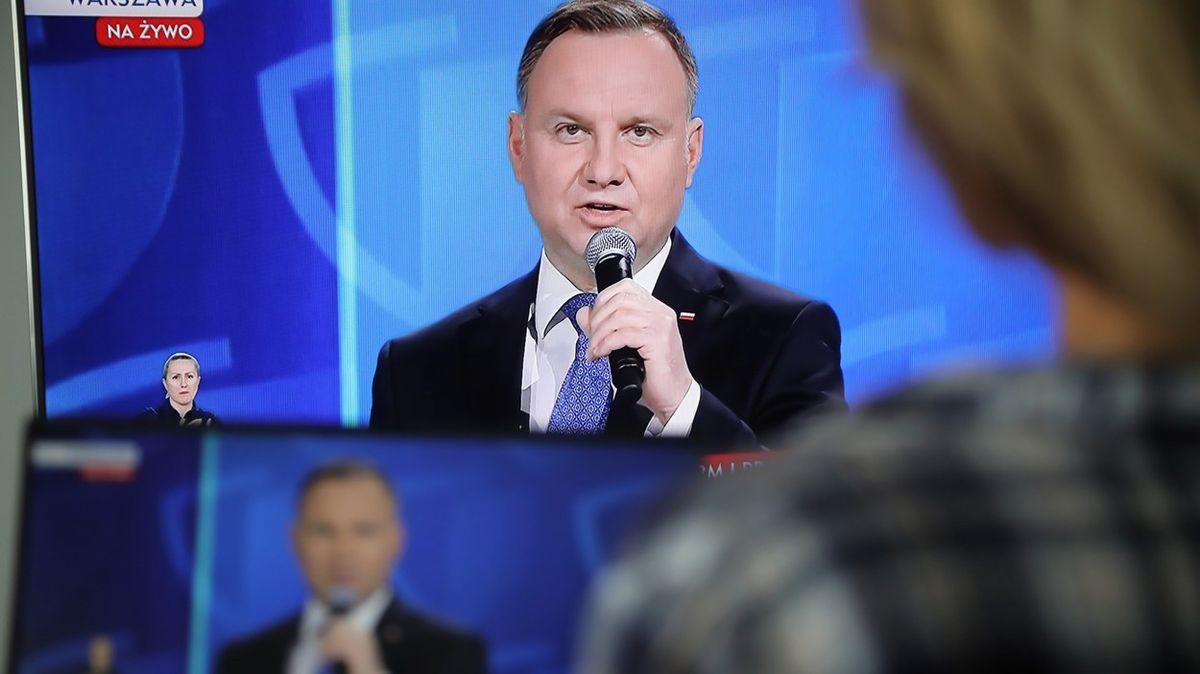 Kampaň vPolsku: hádka odebatu, milost pedofilovi a hovor sObamou