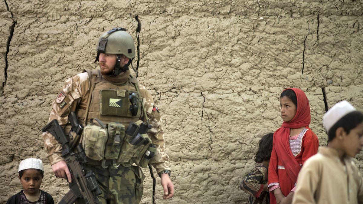 Česká obrana: Ruské peníze Tálibánu za zabíjení vojáků NATO budeme řešit