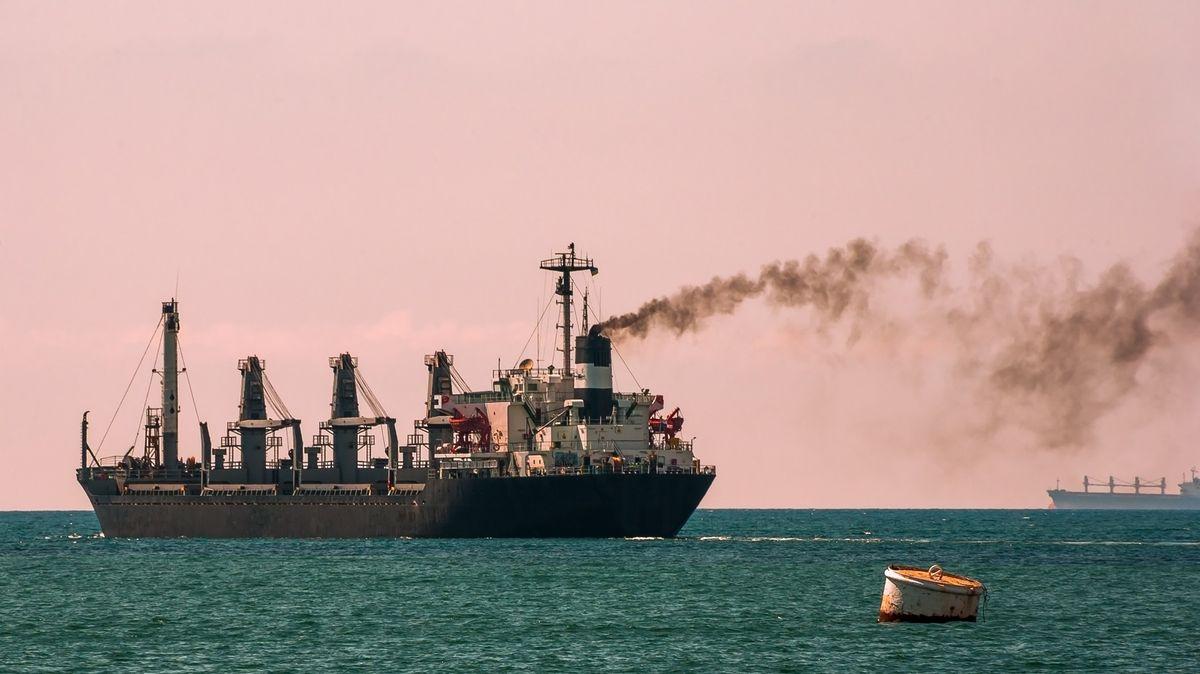 Emisní povolenky pro lodě. Plán Evropské komise vyvolal pozdvižení