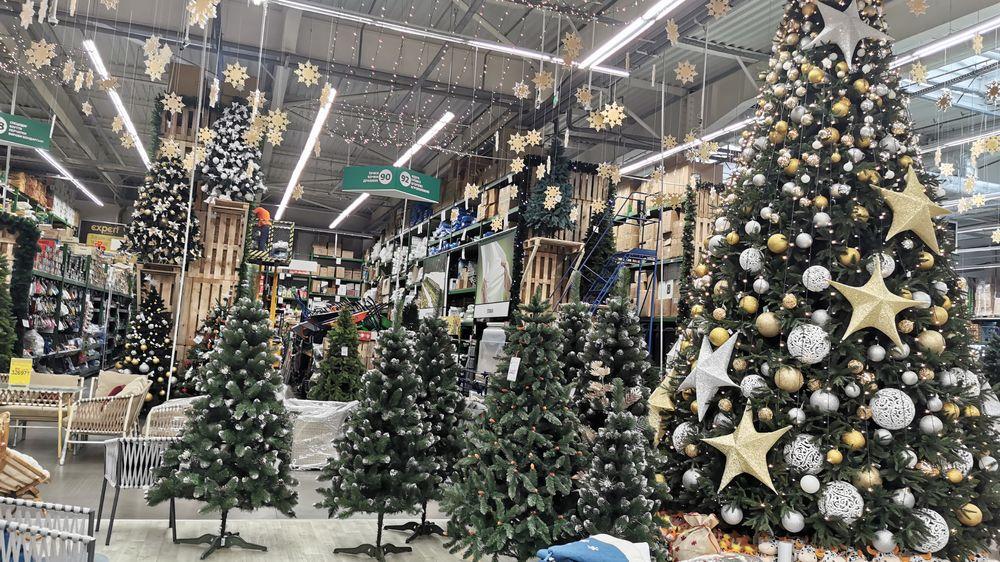 Vánoce už začaly: Češi nakupují dárky už od srpna, hrozí, že zboží nebude