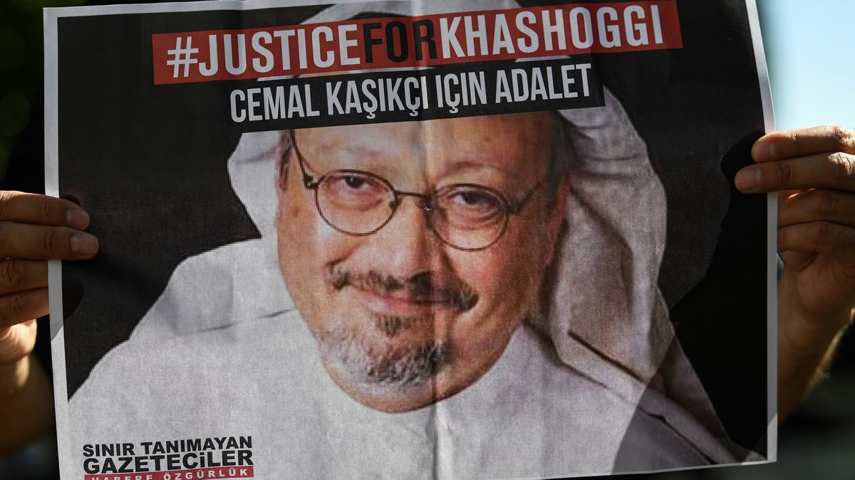 Kdo má na rukou krev novináře? Obžalobě čelí isaúdský korunní princ