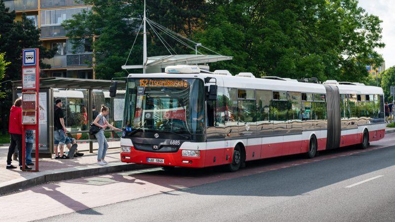 Řidiči autobusů podvádějí sjízdenkami, dostali pokuty za miliony