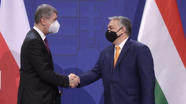 Sputnik Vpro Česko? Rusko tvrdí, že žádá oschválení, Evropa to popírá