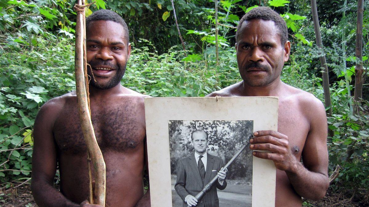 Možná bůh, možná rasista. Vanuaťané oplakávají prince Philipa
