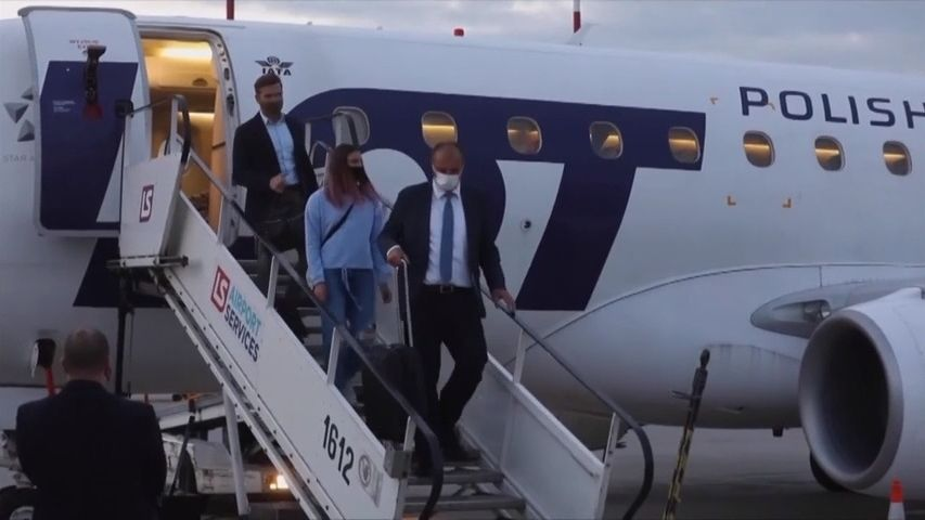 """Unavená, ale šťastná."" Běloruská sprinterka Cimanouská dorazila do Polska"