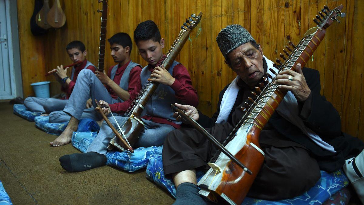Zavraždění muzikanti, zničené nástroje. Snástupem Tálibánu utichla hudba