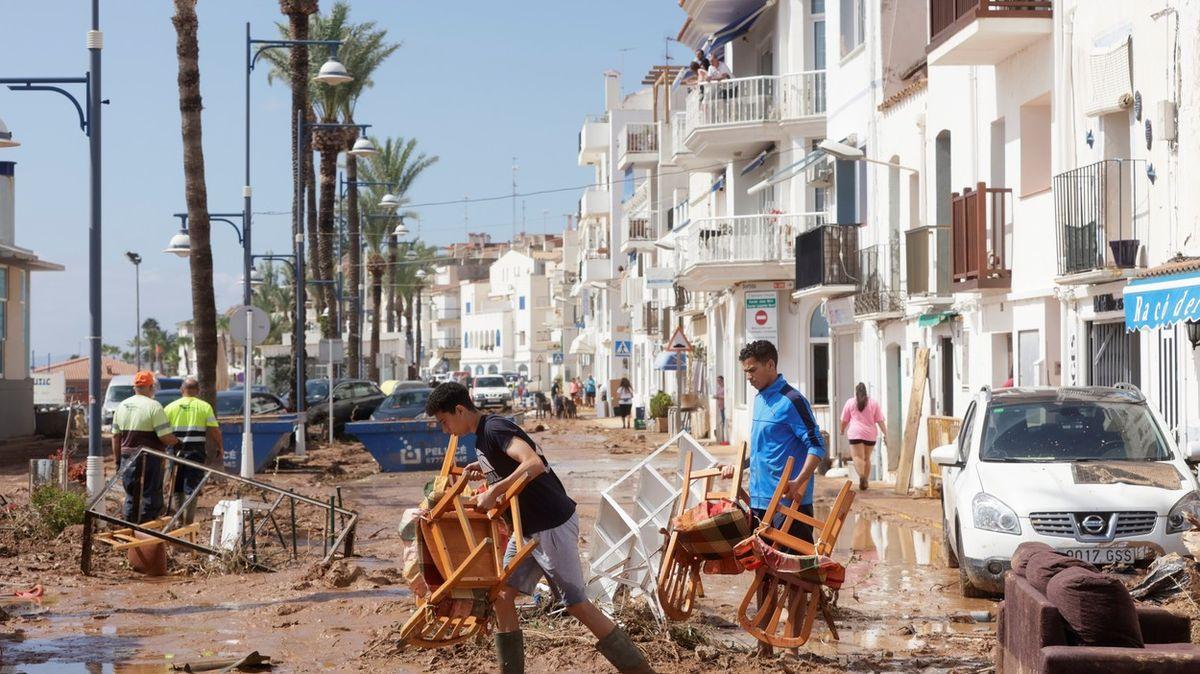 Fotky: Bleskové záplavy ve Španělsku. Města se topila vbahně