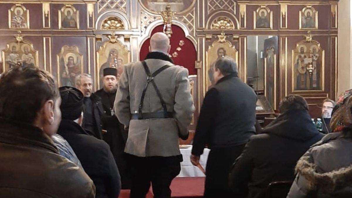 Kozáci vpražském chrámu nastoupili na faráře. Drsné praktiky vpravoslavné církvi