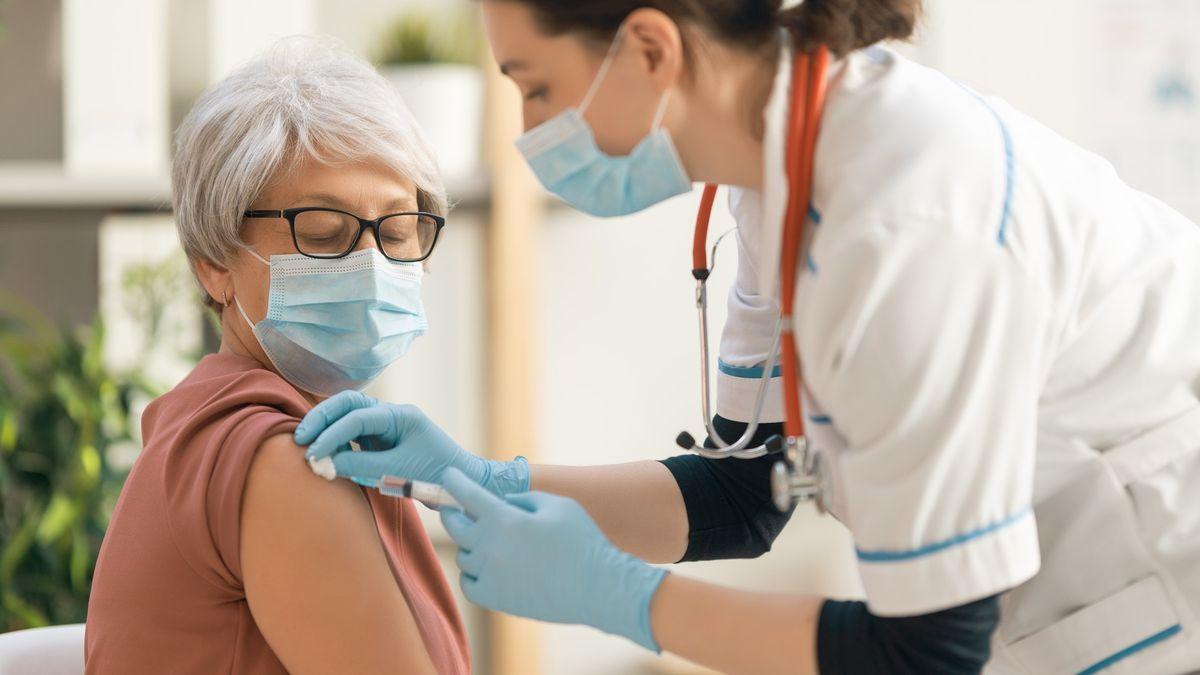 Praktici zorganizovali velkou očkovací akci. Pak přišla SMS, že se vše ruší