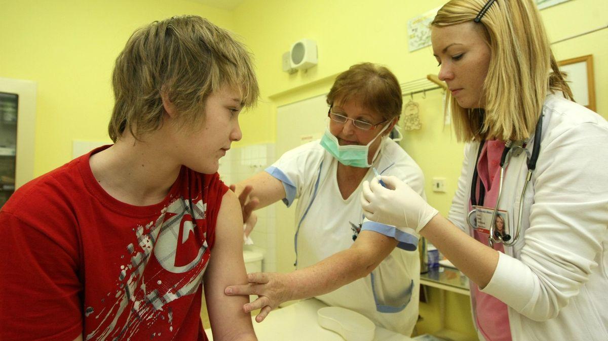 Na očkování se dnes zaregistrovalo už 100000seniorů nad 70let