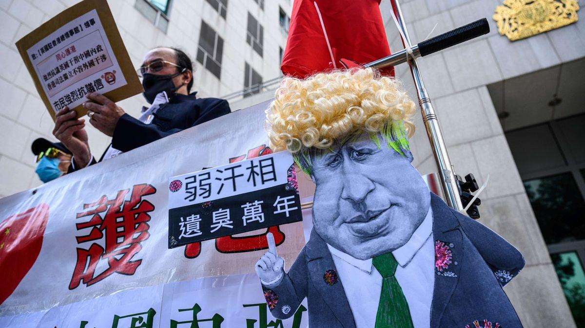 Nikdy, nebo navždy. Britská nabídka Hongkongu Čínu rozčílila, lidé váhají