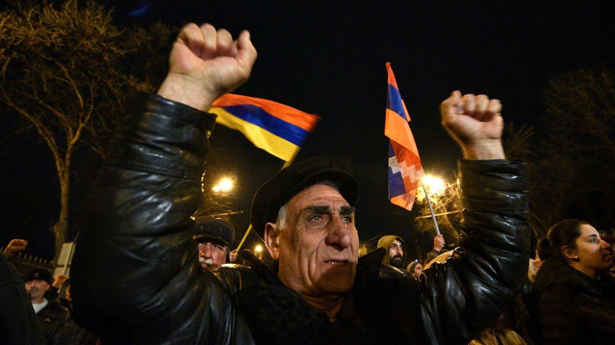 Fanatici, radikalismus a velký šok, popisuje arménské protesty novinářka