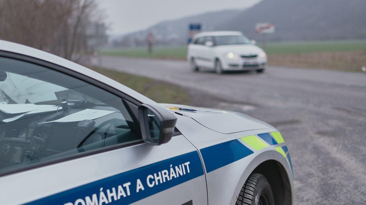 Policie získá nové upravené vozy Land Rover Defender, dodá je Dajbych