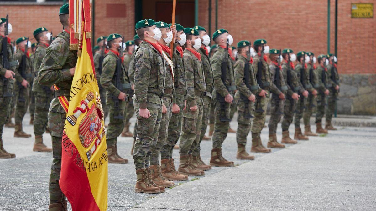 Španělsko potvrdilo spojitost mezi očkováním AstraZenecou a úmrtím vojáka