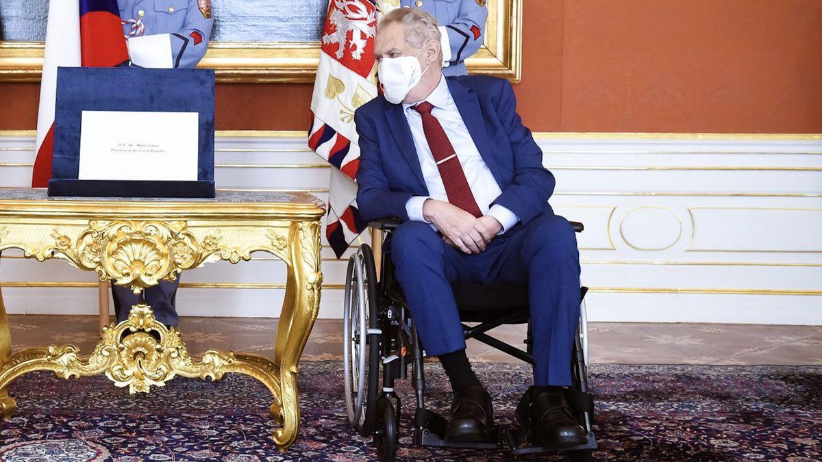 Diplomaty znervóznily volby a Zemanovy potíže