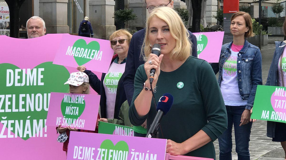 """Dejme ženám šanci. Zelení zahalili """"penis"""" a začali kampaň"""