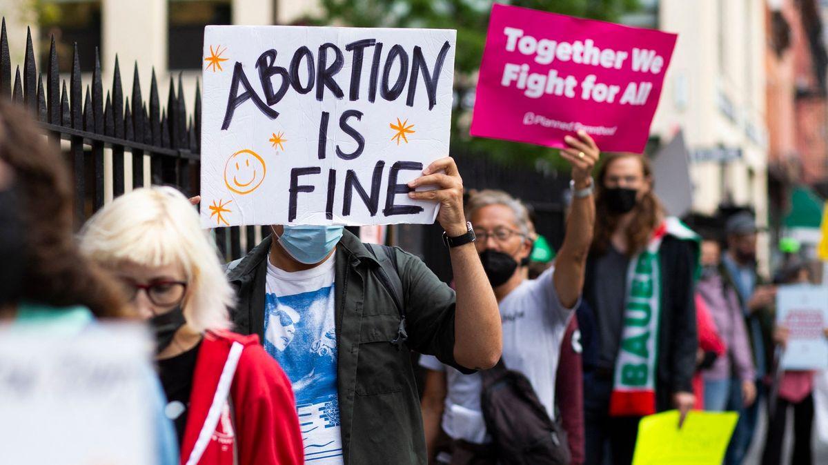 Vláda USA se kvůli texaskému zákazu potratů obrátila na nejvyšší soud