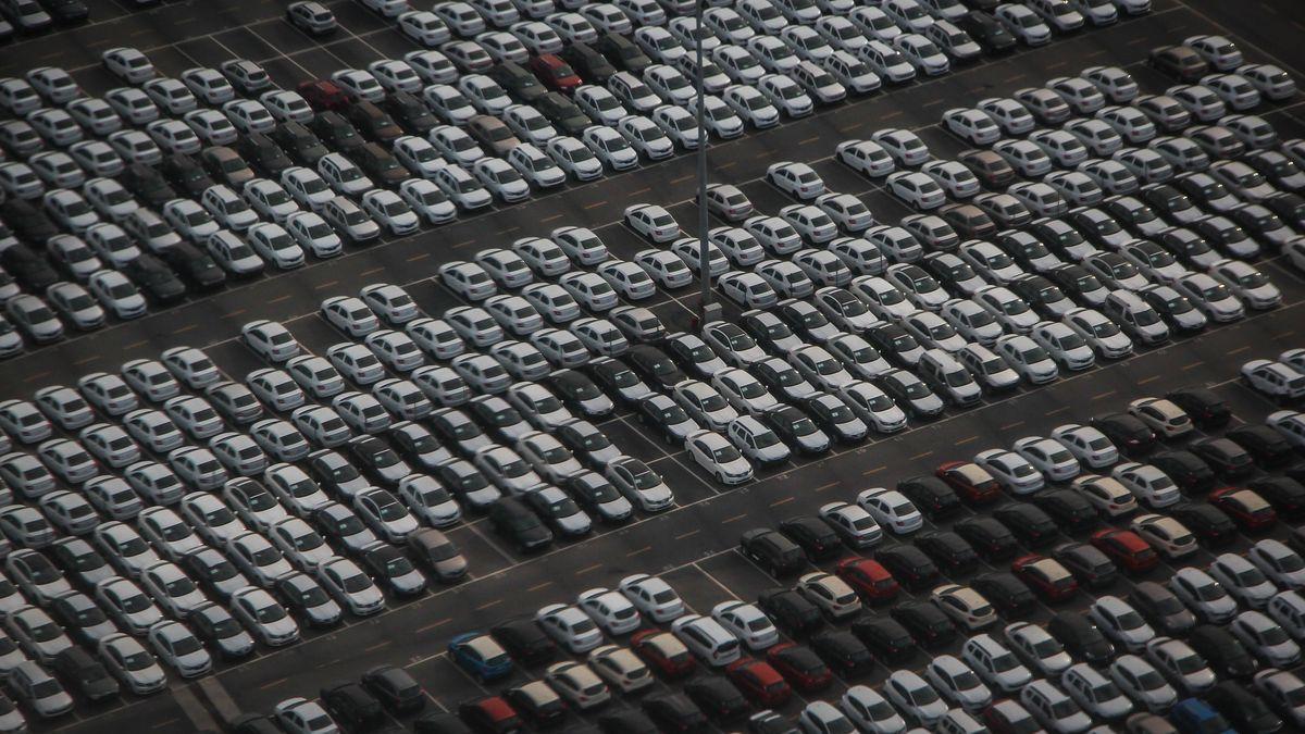 Prodej osobních aut vEU se vříjnu znovu propadl