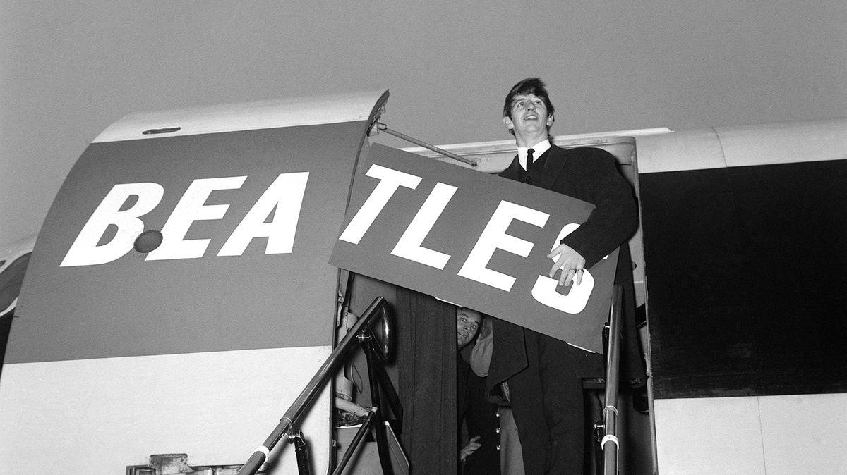 Obrazem: Legendární bubeník Beatles Ringo Starr slaví 80.narozeniny