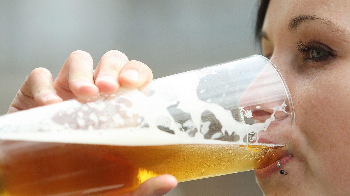 Covid drtí české pivo. Inejznámější hospoda musela propustit personál