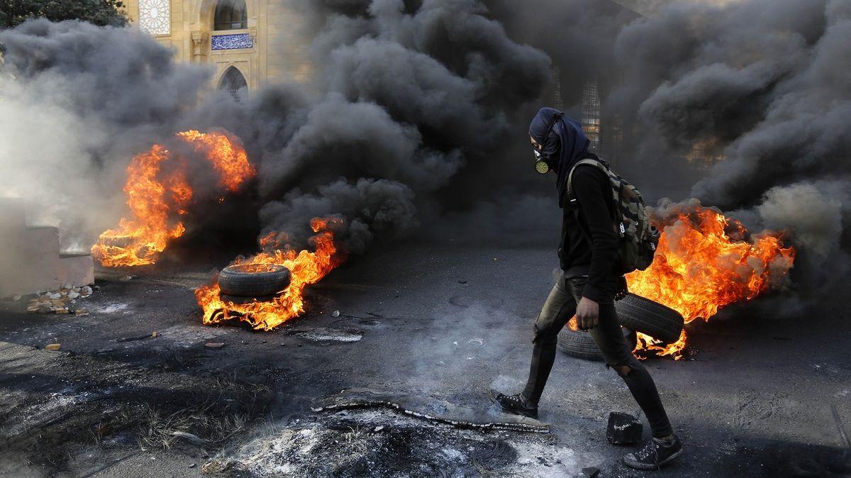 Fotky: VLibanonu to vře, vláda nemá ani na zaplacení elektřiny