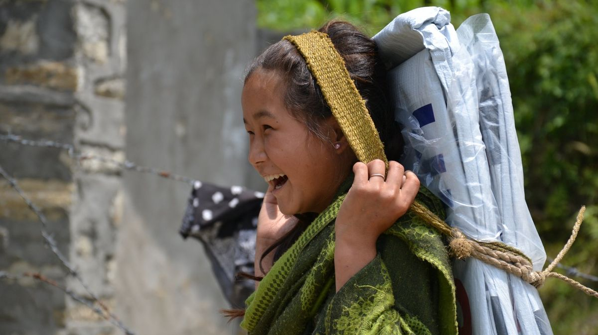 Ani pět let po zemětřesení si mnozí Nepálci nemohou postavit vlastní dům