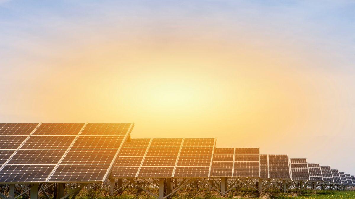 Ceny za solární panely padají. Menší výrobce může pokles zlikvidovat