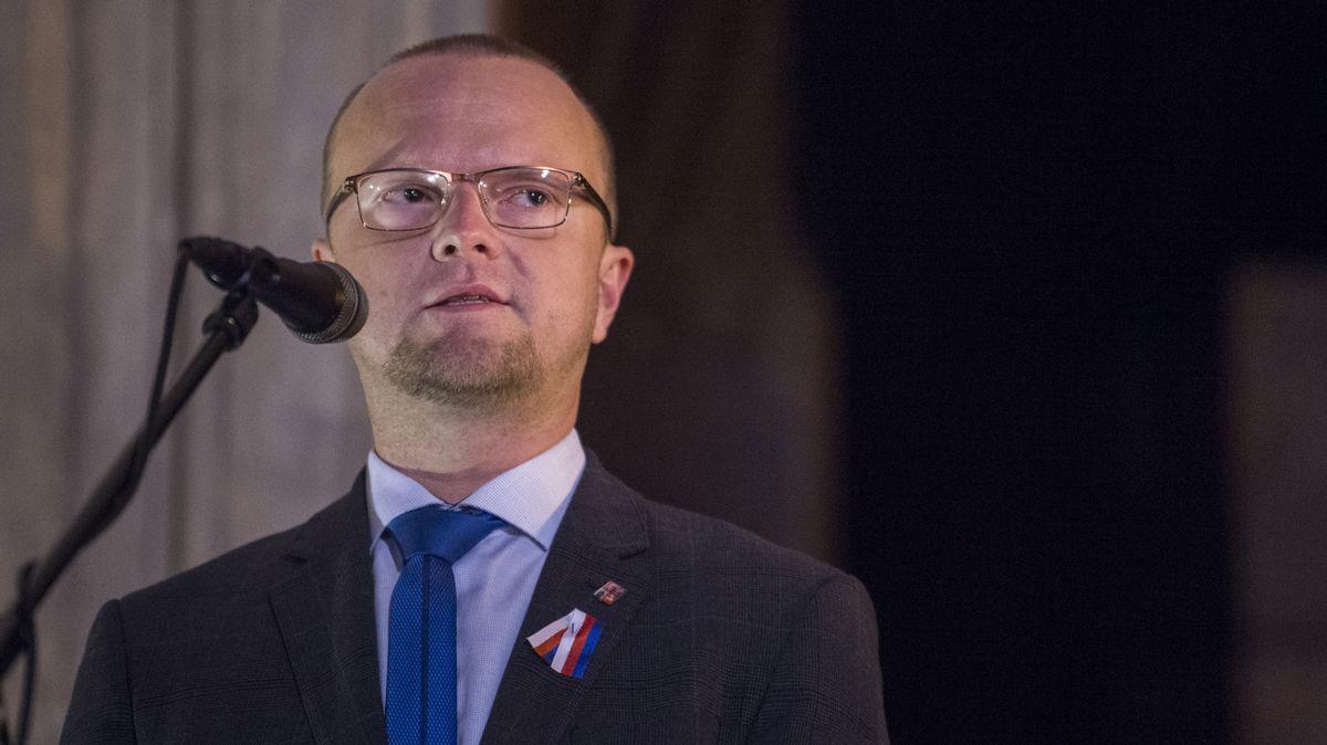 STAN se spojil sČSSD a ve Sněmovně začíná boj omiliardy pro regiony