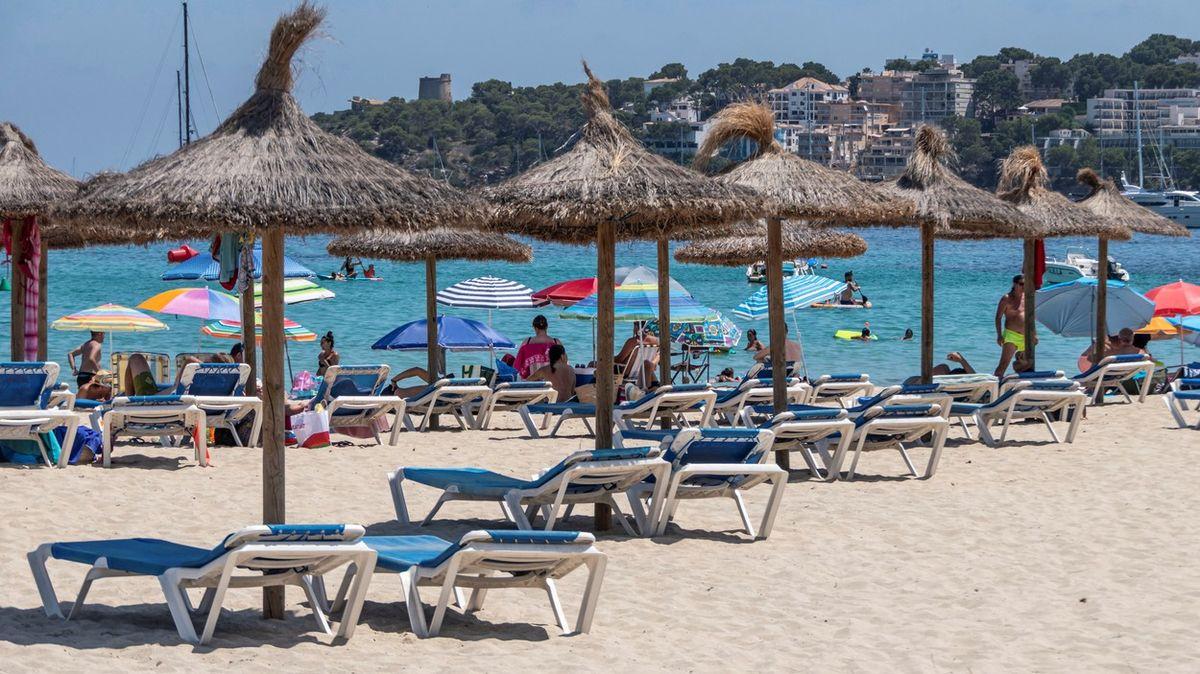 """Chorvatsko zlevňuje, Mallorca naopak překvapí """"covid daní"""""""