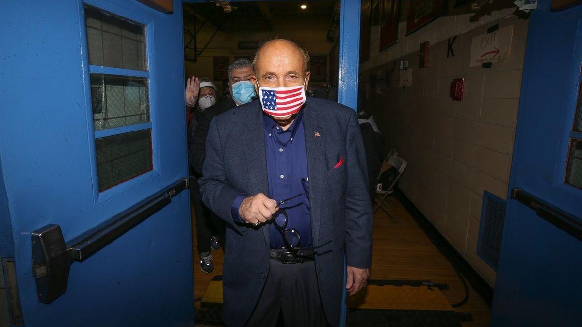 Pokus ukrajinského poslance ovlivnit volby vUSA? Nástrojem byl Giuliani