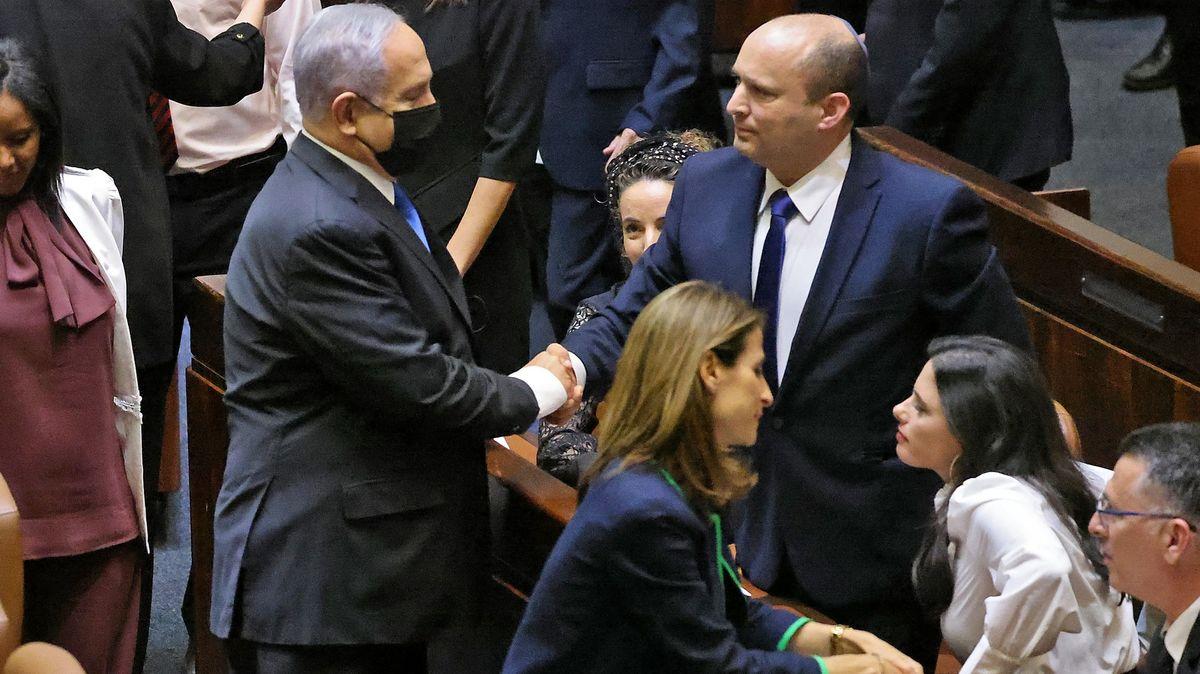 Izrael má nového premiéra, Netanjahu po dvanácti letech končí