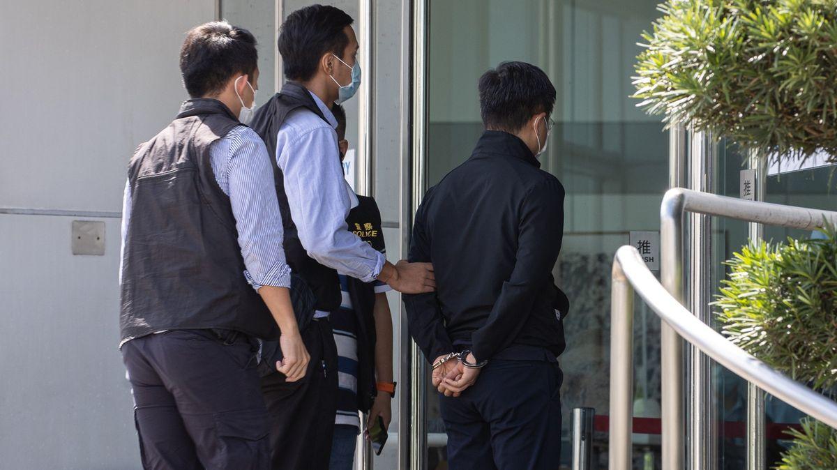 Policie si při razii došla pro vzpurného šéfredaktora. Kritizoval Čínu