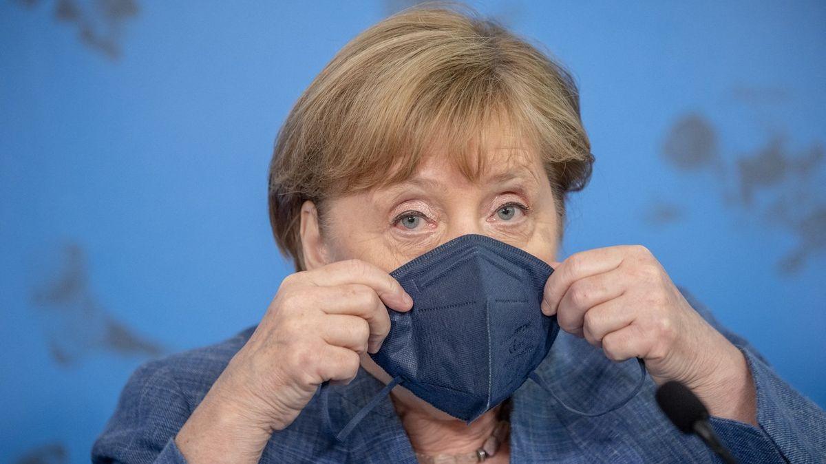 Cestou Francie nepůjdeme, oznámila Merkelová. Očkovací povinnost nebude