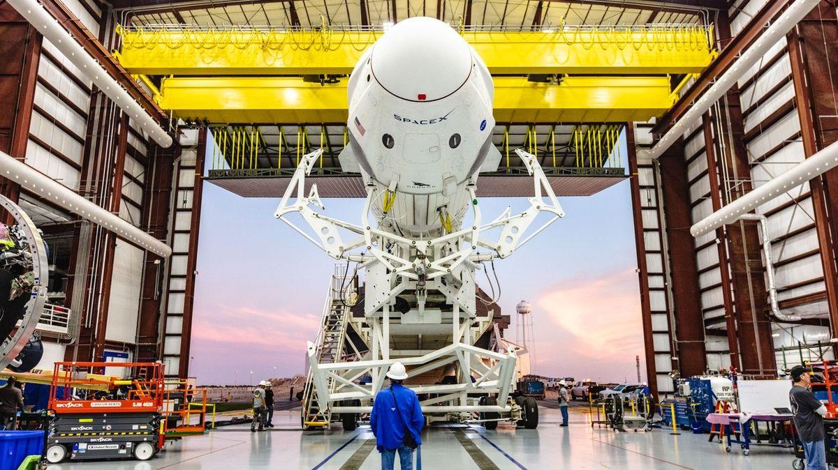 Ostře sledovaná mise: Přišlo zklamání, vsobotu SpaceX počasí také nepřeje