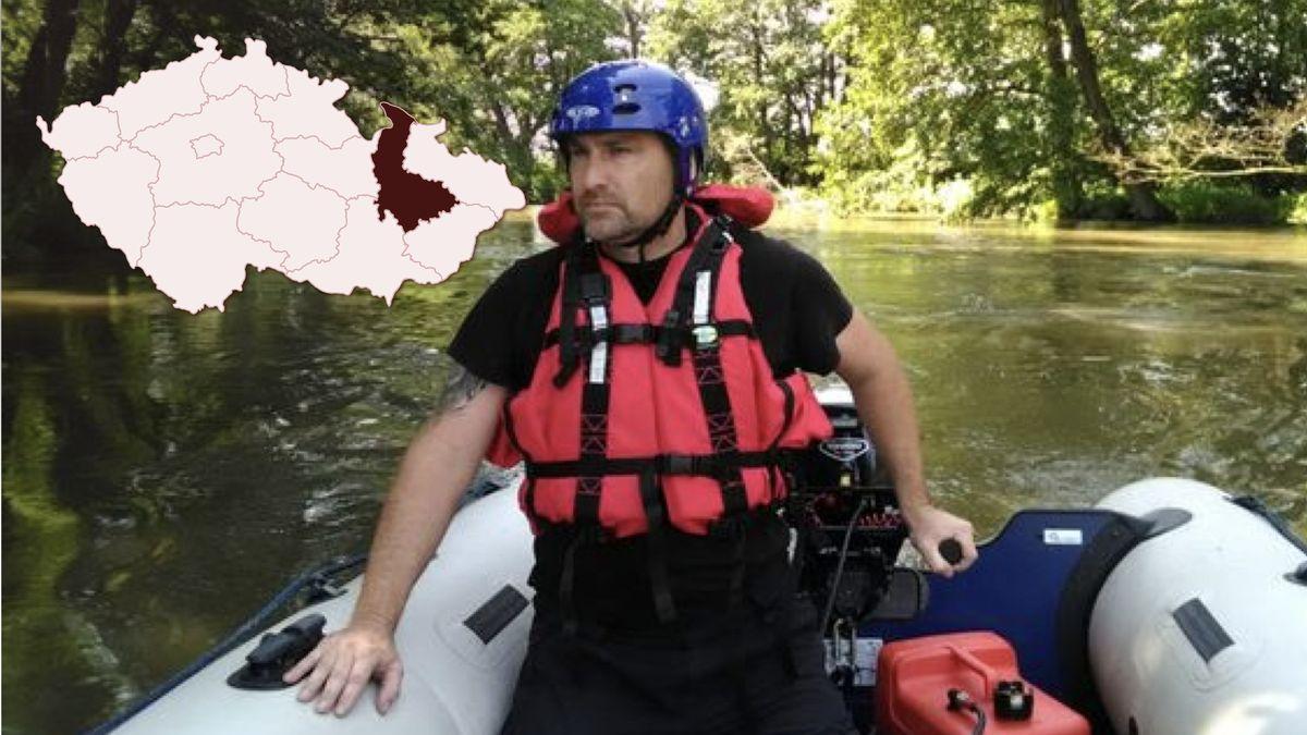 Policie marně hledá utonulého vodáka. Aprosí ostatní, aby nepili