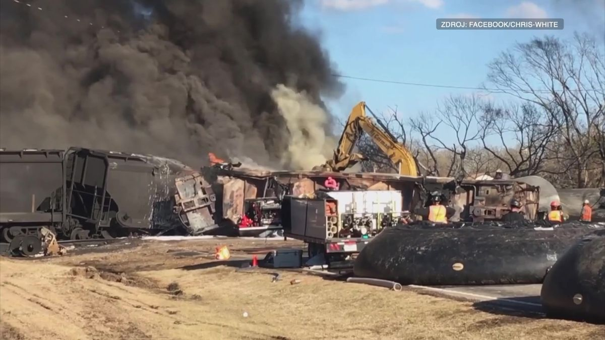 Video: Masivní exploze v Texasu. Kamion narazil do vlaku s benzínem