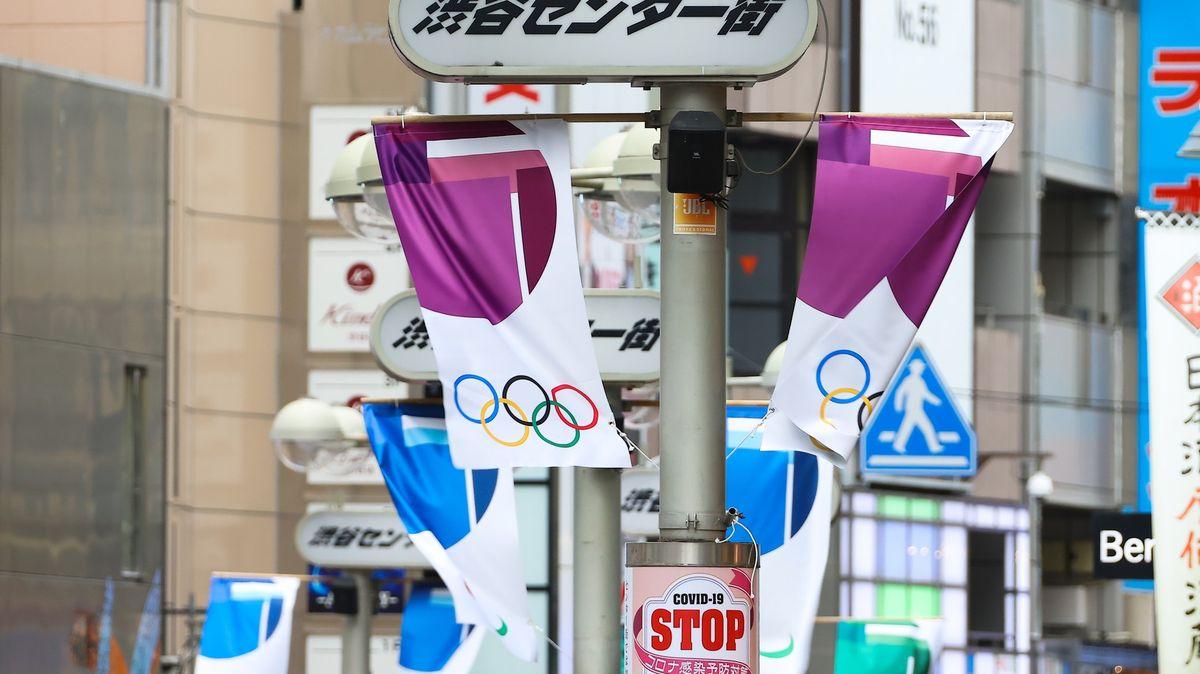 Fúze covidu a olympiády. Japonci už nevěří ve vládu, ale sami vsebe