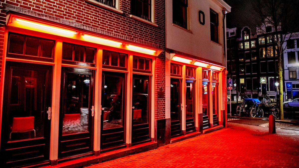 Červené lucerny vAmsterdamu se přesunou na kraj města do erotického centra