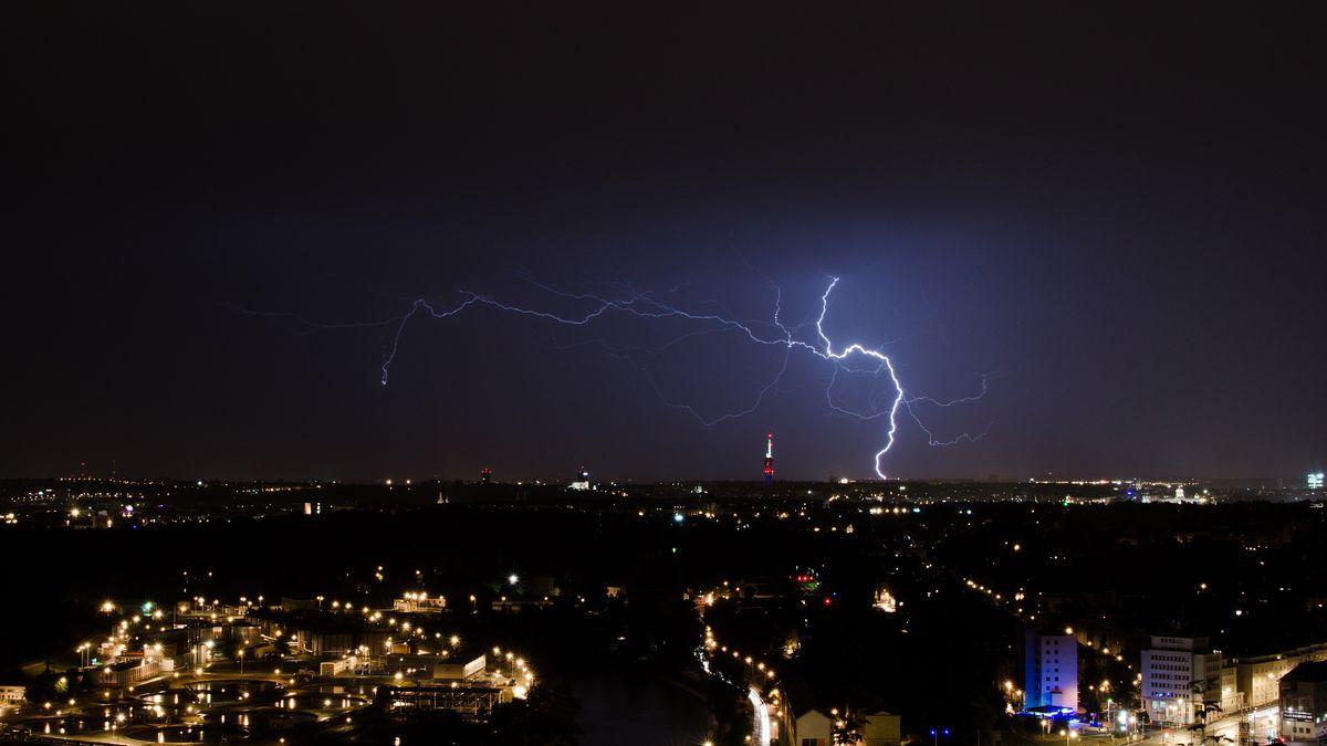Varování meteorologů: Bude až 37stupňů a Česko zasáhnou isilné bouře