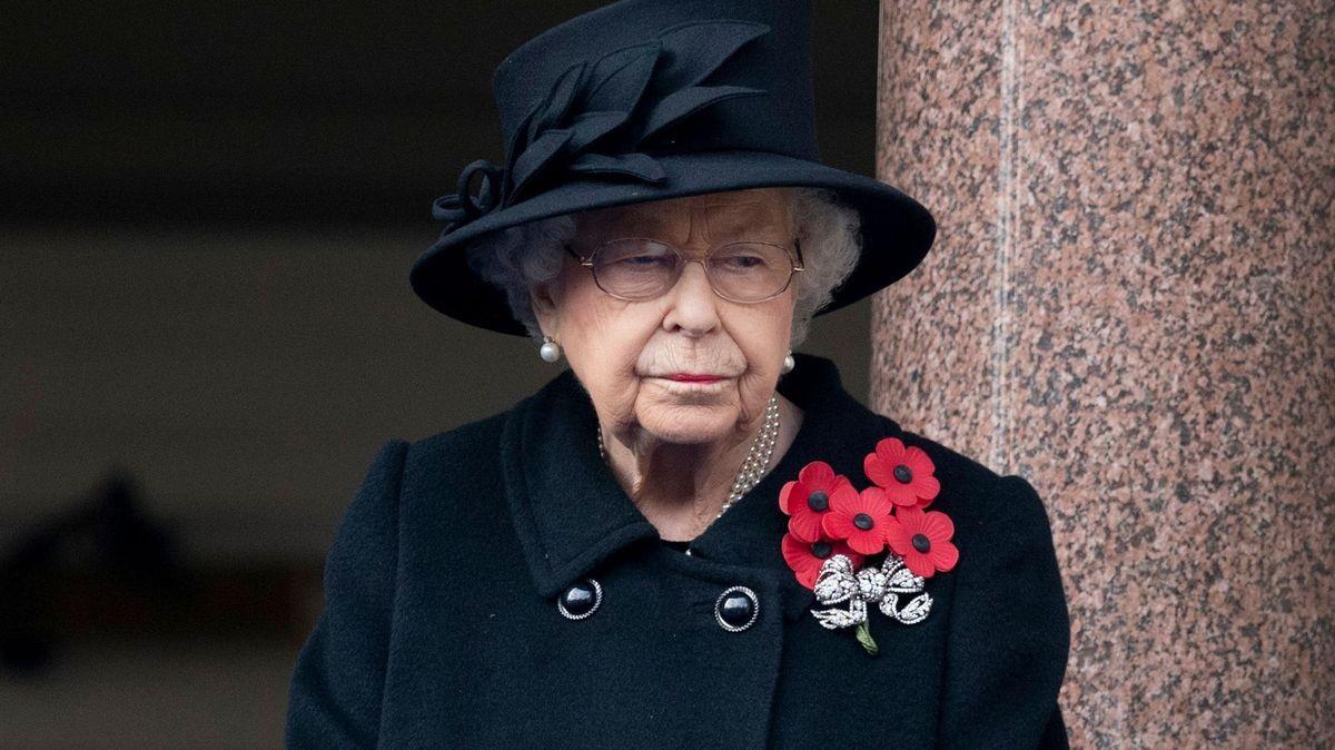 Kradl ubritské královny. Lup prodával lacino přes eBay