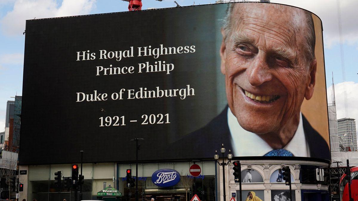 Královská rodina oznámila příčinu úmrtí prince Philipa