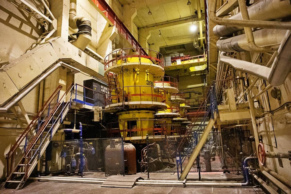 Za místností s cirkulačními čerpadly se již nachází reaktor.