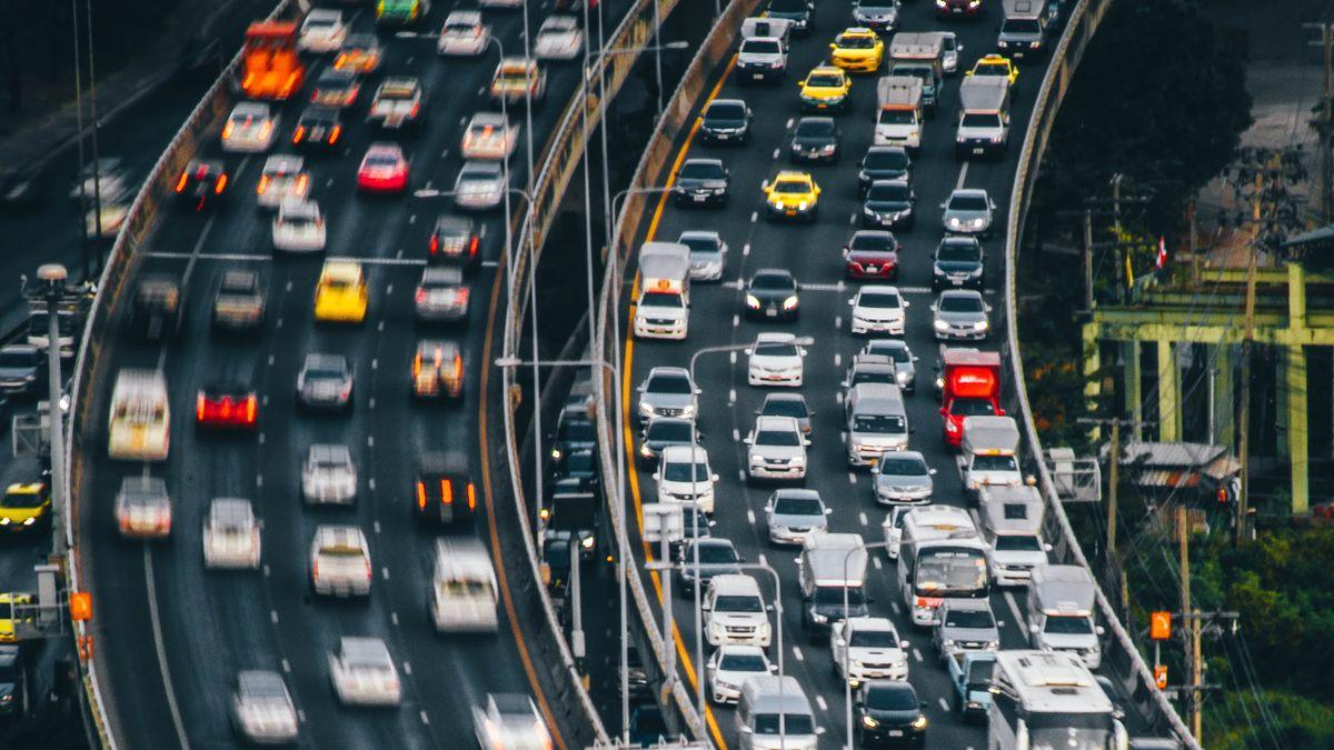 Blog: Metra se bojíme, auta nás dusí. Hrozí nám Volný pád, pane Havlíčku