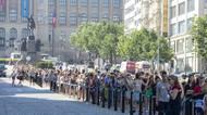 Fotky: Fenomén Primark. Lidé na něj stojí frontu přes polovinu Václavskéhonáměstí